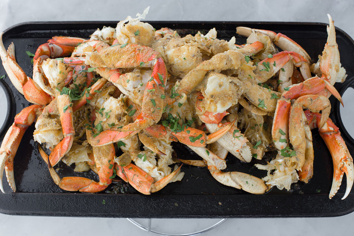 Roasted Crab with Garlic Butter Sauce